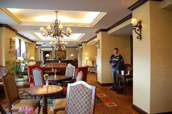 The Gold Lounge Picture Of Fairmont Chateau Lake Louise