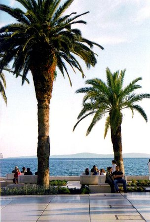 Split, Kroatië: The alluring waterfront promenade