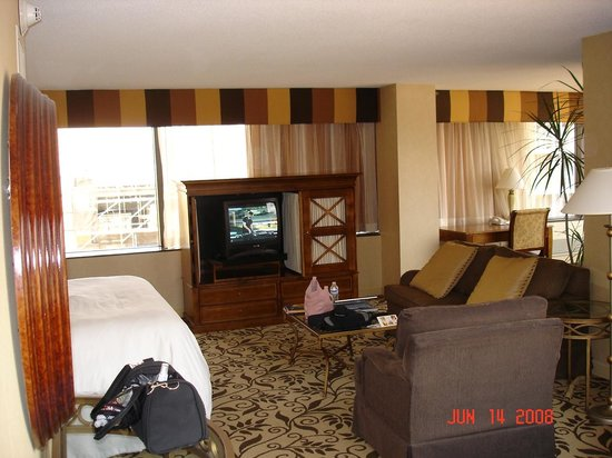 Omni Charlotte Hotel: View of room #2