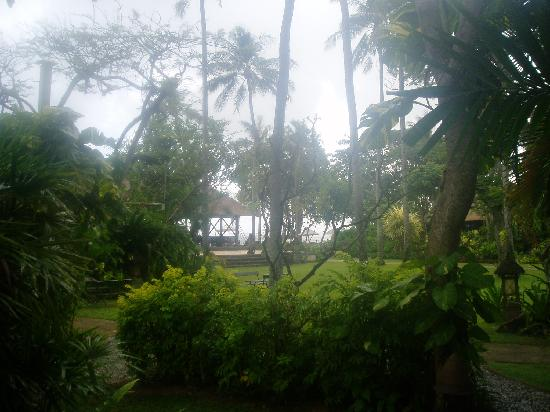 Hotel Santika Premiere Beach Resort Bali: The view from our veranda