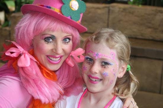 Ashmore Palms Holiday Village: The amazing Daisy