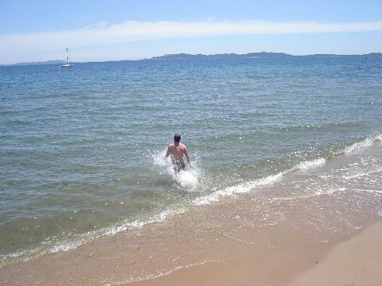 Hotel Bor : Taking a swim