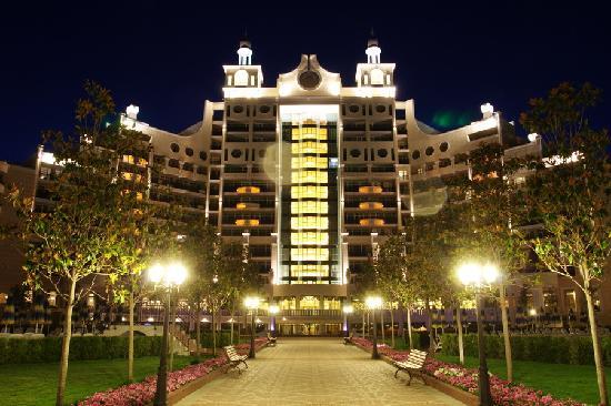Sunset Resort: Building Sigma at night