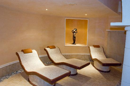 Sunset Resort: Relaxation area in spa