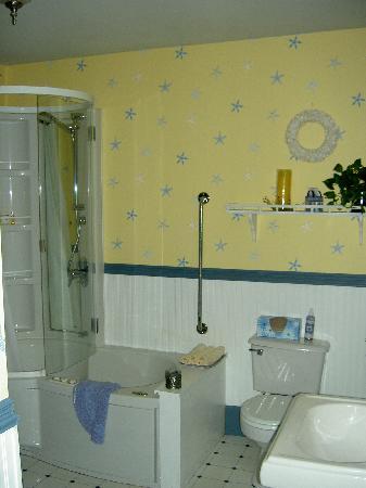 Crook Jaw Inn: The Yarmouth's bathroom