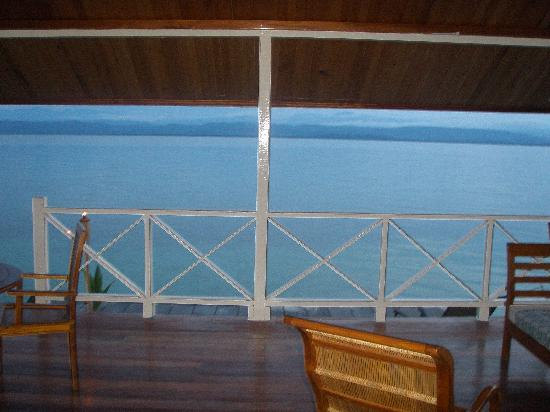 Bocas Villas: miller time on deck