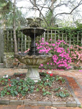 Fountain at The Garden Inn