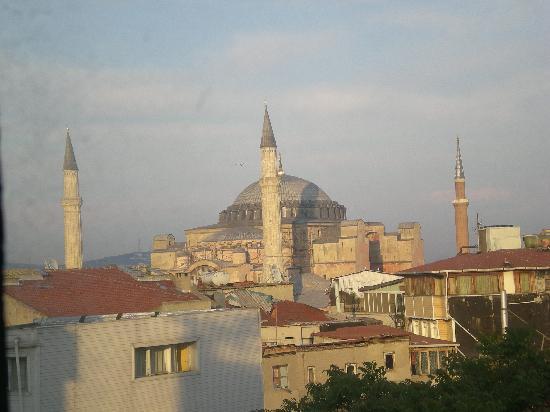 Akdeniz Hotel: View on St. Sofia