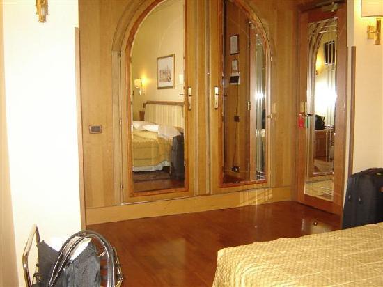 Hotel Regno: Habitacion