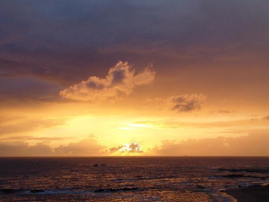 Axis Vermar Conference & Beach Hotel : Sonnenuntergang vom Balkon