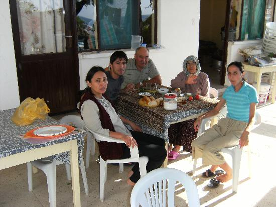 Erdemli, Türkiye: The Gobut family (owners) on terrace