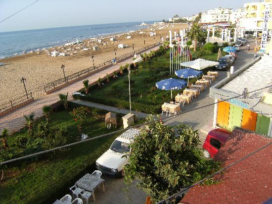 Erdemli, Türkiye: View of the beach from our room.