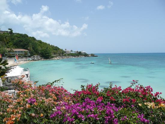 Blue Waters Antigua: Hotel beach