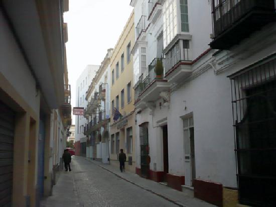 Hotel Serit: HOTEL'S STREET