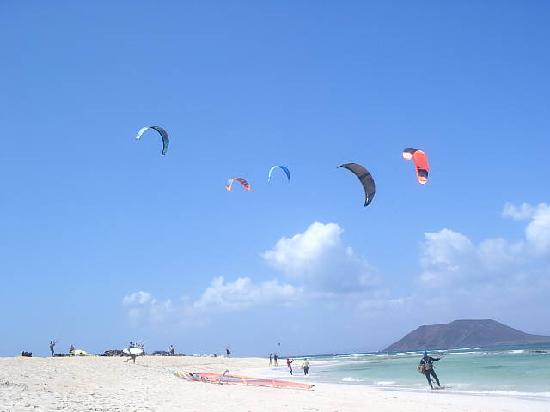 Kite surfing beach corralejo picture of fuerteventura canary islands tripadvisor - Jm puerto del rosario ...