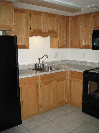 Scottsdale Park Suites's Full size kitchen