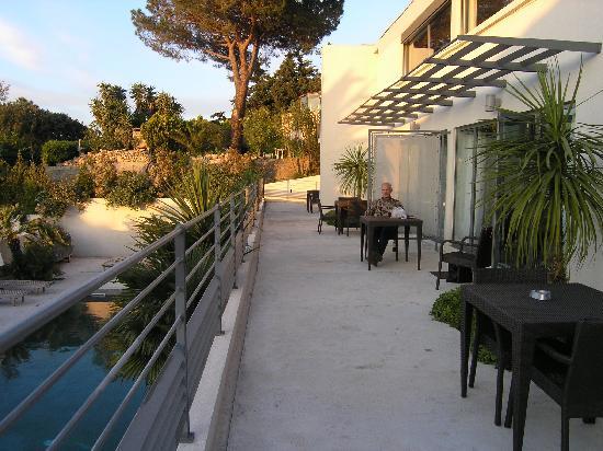 Hotel la Villa: The terrace outside our room