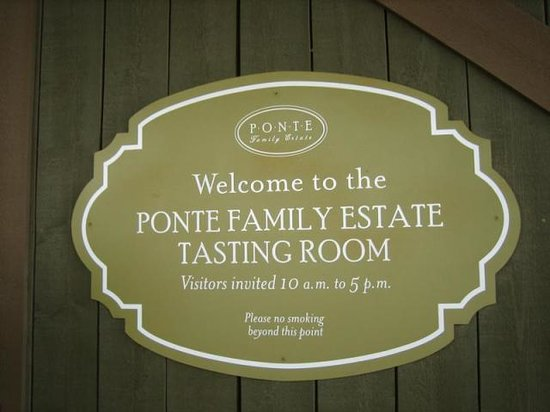 Ponte Winery: Entrance Sign