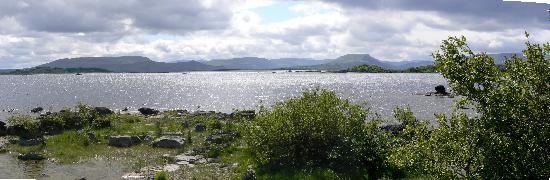 Kilkeeran, Irlande : Lough Mask from Cahir Pier