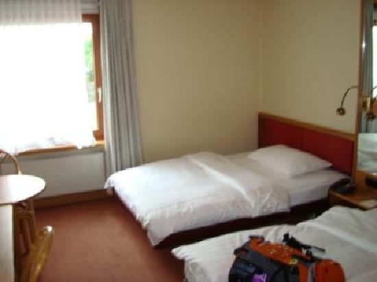 Movenpick Hotel Egerkingen: room is big enough