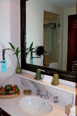 Club Med Cherating Beach : bathroom in hotel room