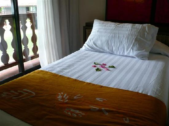 Club Med Cherating Beach : single beds in deluxe sea facing room