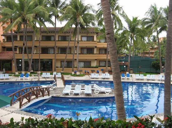 Villa del Palmar Beach Resort & Spa: Smaller, quieter pool