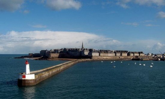 Saint-Malo, France : St. Malo - looking towards Inter-muros