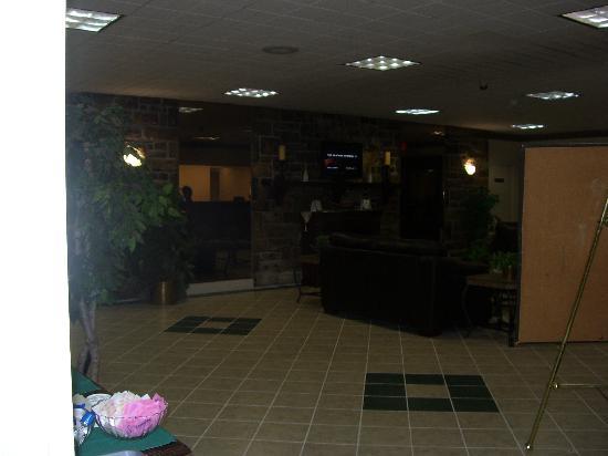 Motel 6 Chambersburg: Lobby