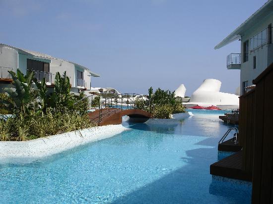 Cornelia Diamond Golf Resort & Spa: family terrace area