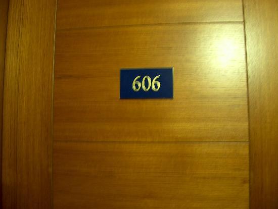 Des Etrangers : Hab 606