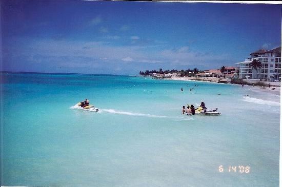 Encanto Paseo del Sol: Beach access at Corto Maltes (in Playa)