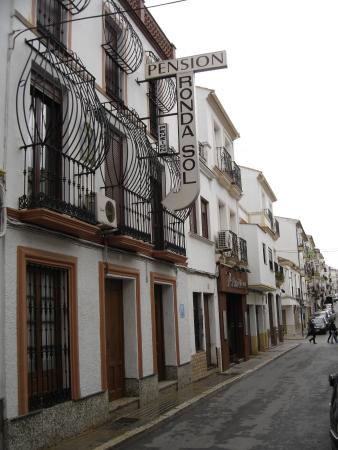 Hostal Ronda Sol: Street view