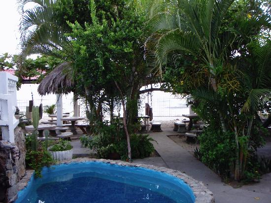 Villa Helen's Hotel & Restaurant: Another pool and courtyard