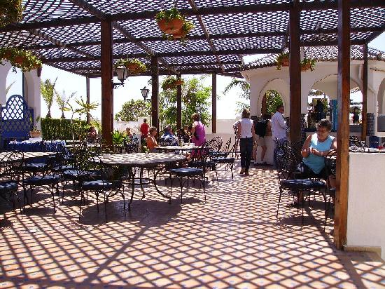 terrasse et bar photo de les omayades hotel agadir tripadvisor. Black Bedroom Furniture Sets. Home Design Ideas