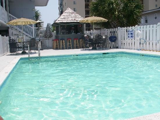 Edgewater Inn : Pool & Tiki Bar