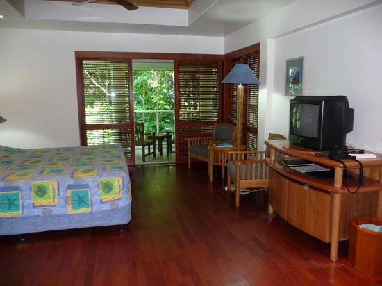 Green Island Resort: Our room