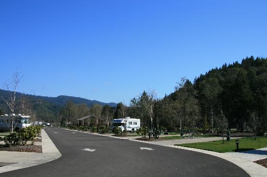 Seven Feathers RV Resort: Seven Feathers RV Park