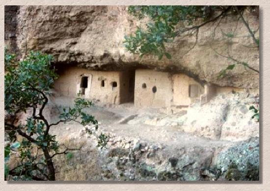 zonz arqueologica cueva de la serpiente en madera chihuahua