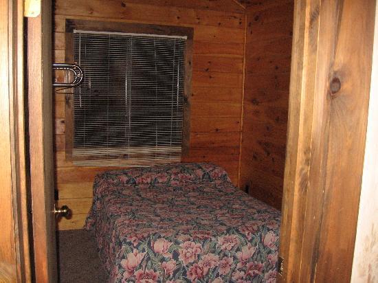 Depe Dene Resort : Room with Queen Bed