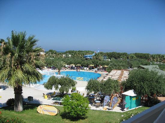 Alex Beach Hotel: view of the garden