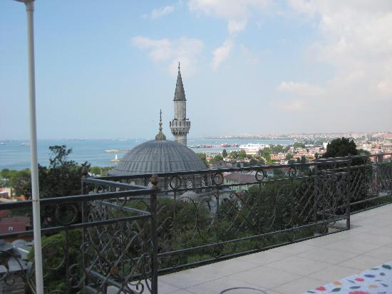 Ada Hotel Istanbul: view from breakfast terrace