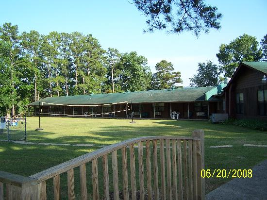 Down fishing picture of lake ouachita shores resort for Fishing resorts in arkansas
