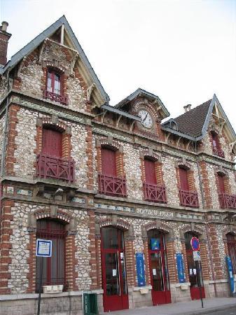 Ibis Saint Gratien : The RER station