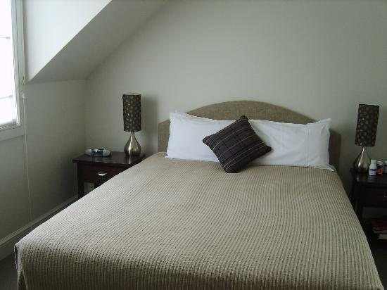 Russell Cottages: main bedroom