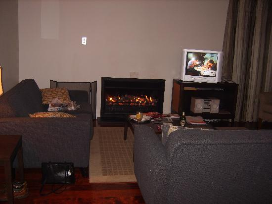 Russell Cottages: cosy gas fire