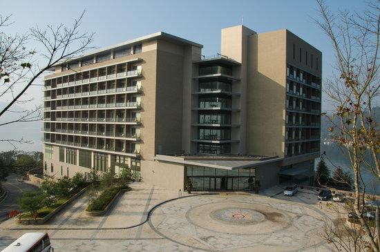 Hotel building picture of fleur de chine hotel sun moon for Hotel de chaine