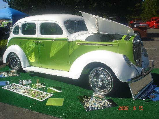 XXX Rootbeer: Car Show 2