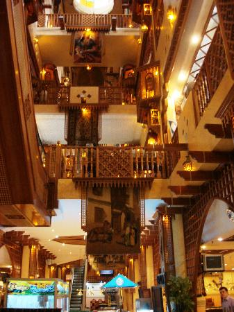 Salmiyah, Kuwait: Enchanting interior