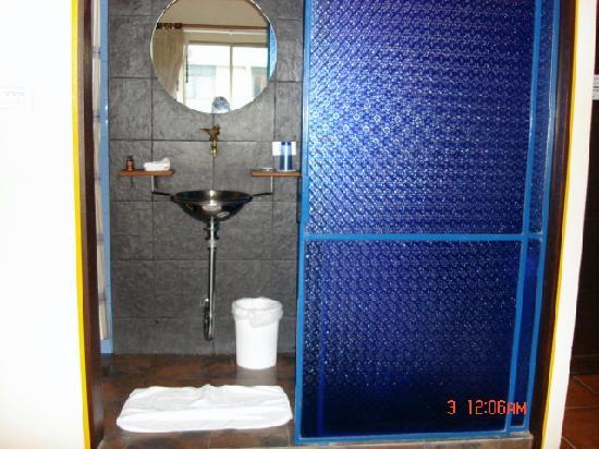 โรงแรมไดมอนด์ เฮ้าส์: bathroom